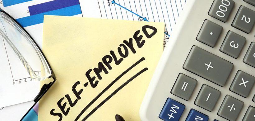 ¿Cuáles son mis obligaciones tributarias como empleado por cuenta propia?